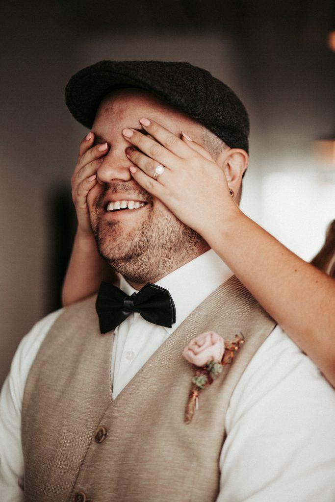 first look, wedding , wedding photographer , eastern Washington