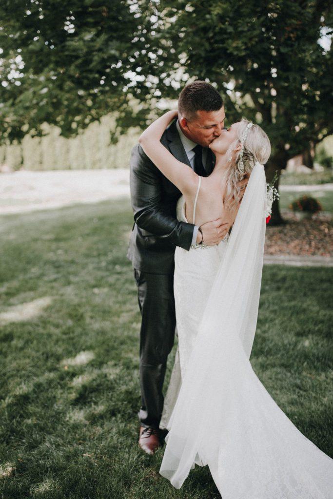 first look, wedding, bride