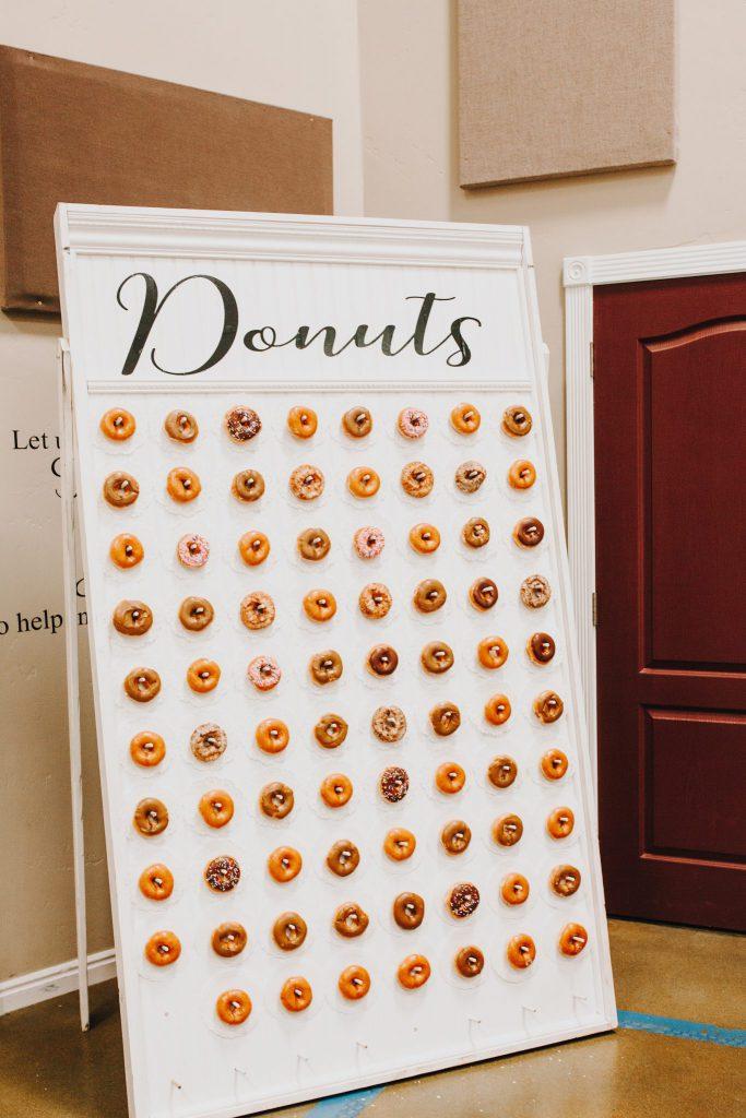 wedding, doughnuts