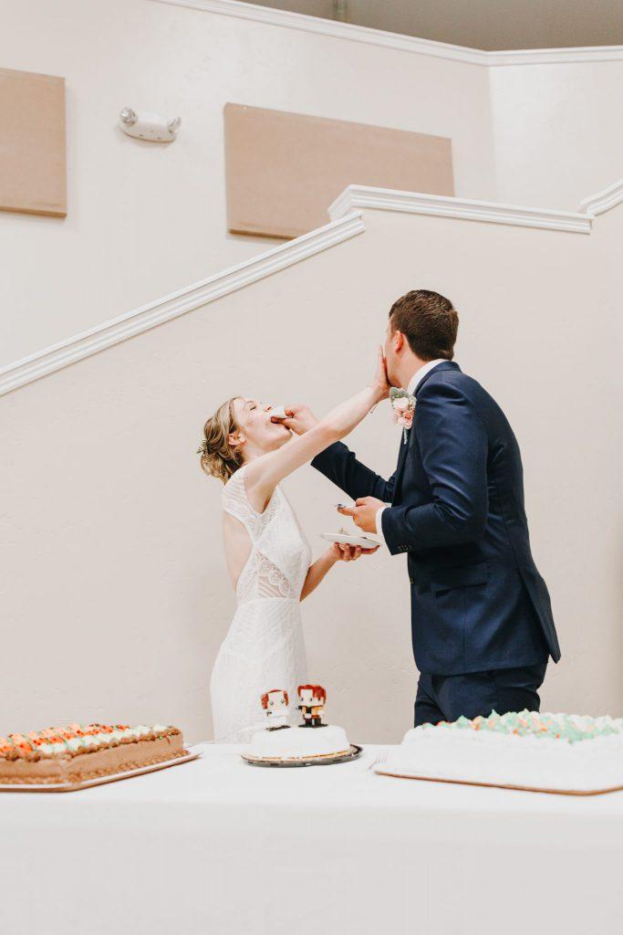 cake cutting, details, bride