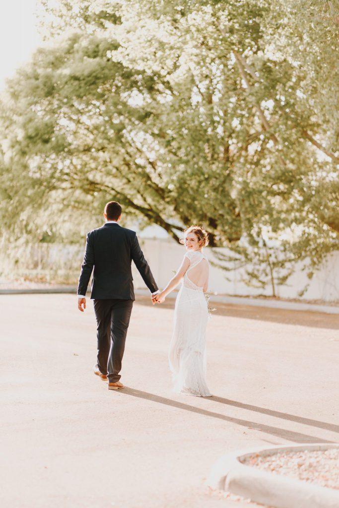details, wedding couple